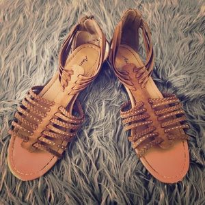 American Eagle Outfitters Sandals Sz 9 Brown